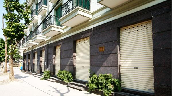 Những mẫu cửa cuốn giành cho nhà liền kề (shophouse)