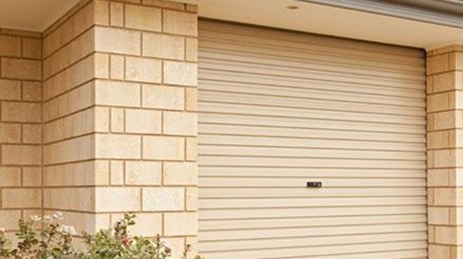 6 sự cố thường gặp khi sử dụng cửa cuốn tấm liền