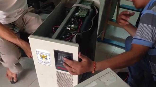 Sửa chữa lưu điện cửa cuốn tại Hà Nội